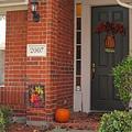 家門口是布置重點,放顆南瓜吧.