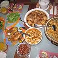 台式料理,菜色豐富,擺滿一桌令人垂涎.