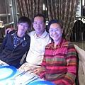 12/15小皮安排到夏慕尼吃生日大餐,祝爸比健康快樂.