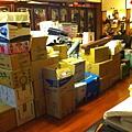 20130628-2.大大小小數十紙箱的書籍雜物全回家了