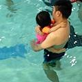 T寶寶上游泳課