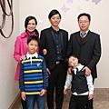 DSC_175.JPG內湖芳鄰澤山哥哥當年結婚 小多是提親小童與新房跳床男童  現在跳床成果可豐碩囉