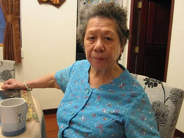 新加坡阿嬤好久沒回來了,十月不冷不熱正好回來走走.