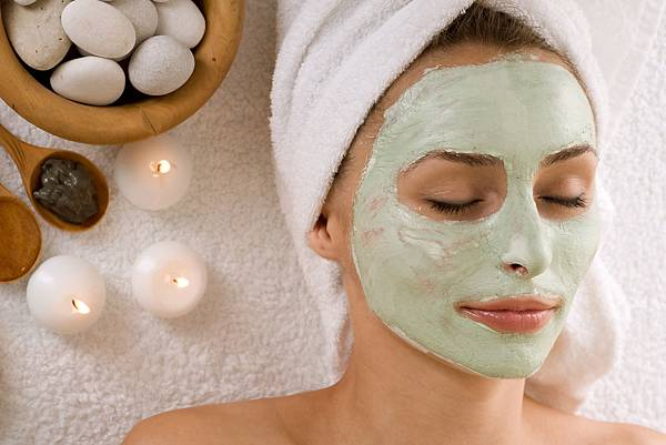 bigstock-Spa-Facial-Mask-Dayspa-12573125