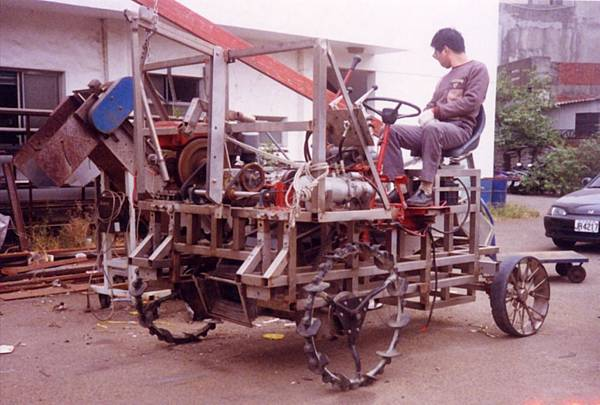 文蛤採收車試驗機