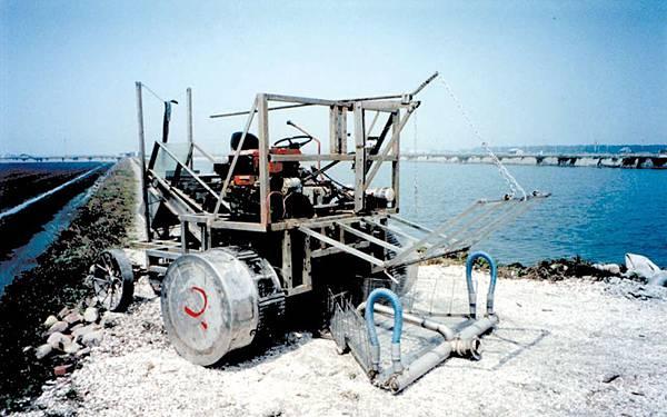 文蛤採收車雛型機