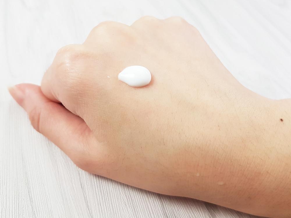 開架身體乳液推薦評測-Vaseline凡士林-深層修護潤膚露3.jpg