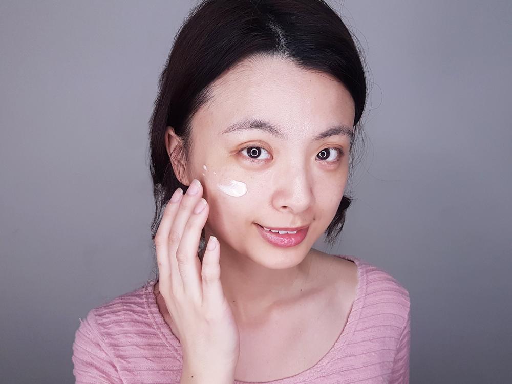 shu-uemura植村秀極保濕輕感防護乳8.jpg