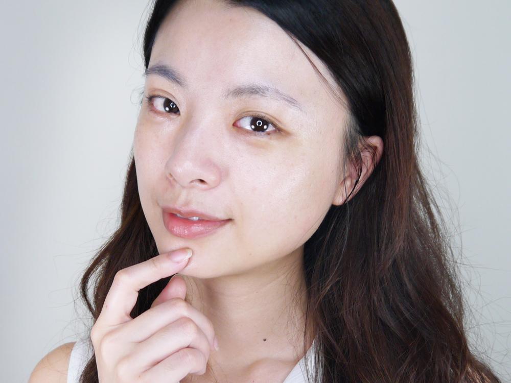 LANCOME蘭蔻-超輕盈UV提亮素顏霜-評價16.jpg