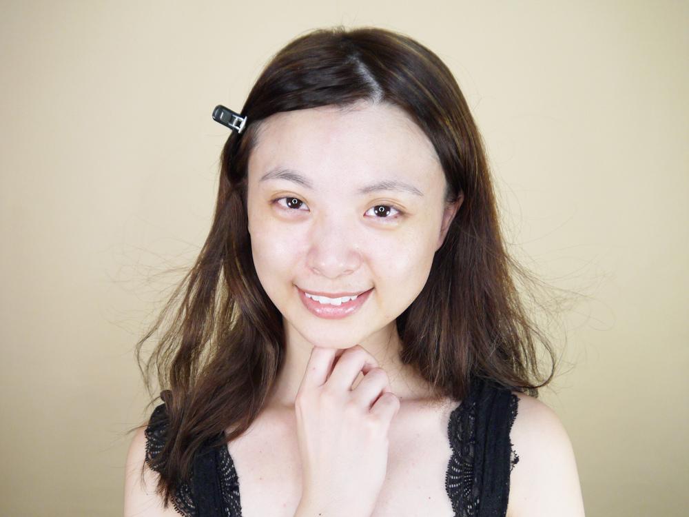 初TRUE-ESSENCE-洋甘菊植萃修護精華-化妝水推薦40.jpg