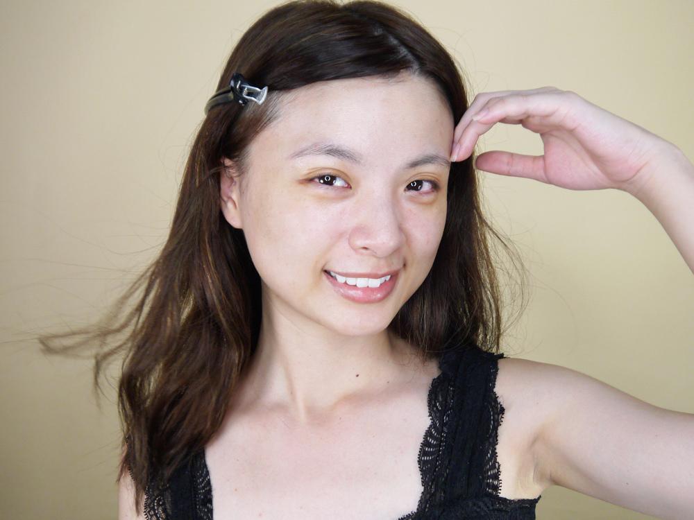 初TRUE-ESSENCE-洋甘菊植萃修護精華-化妝水推薦38.jpg