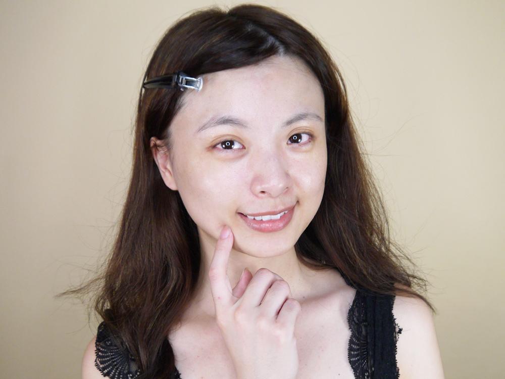 初TRUE-ESSENCE-洋甘菊植萃修護精華-化妝水推薦22.jpg