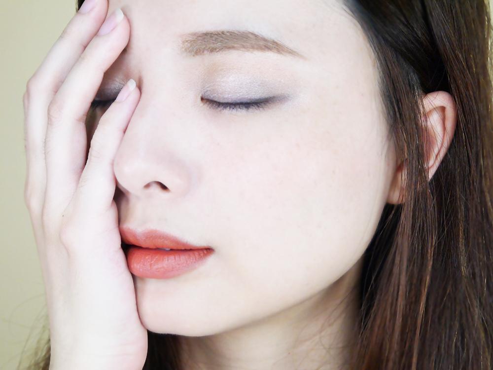 蓓蓓荷娜-唯有機-恆久奪目四色眼影盤-迷濛煙燻-摩登深邃-試色推薦42.jpg