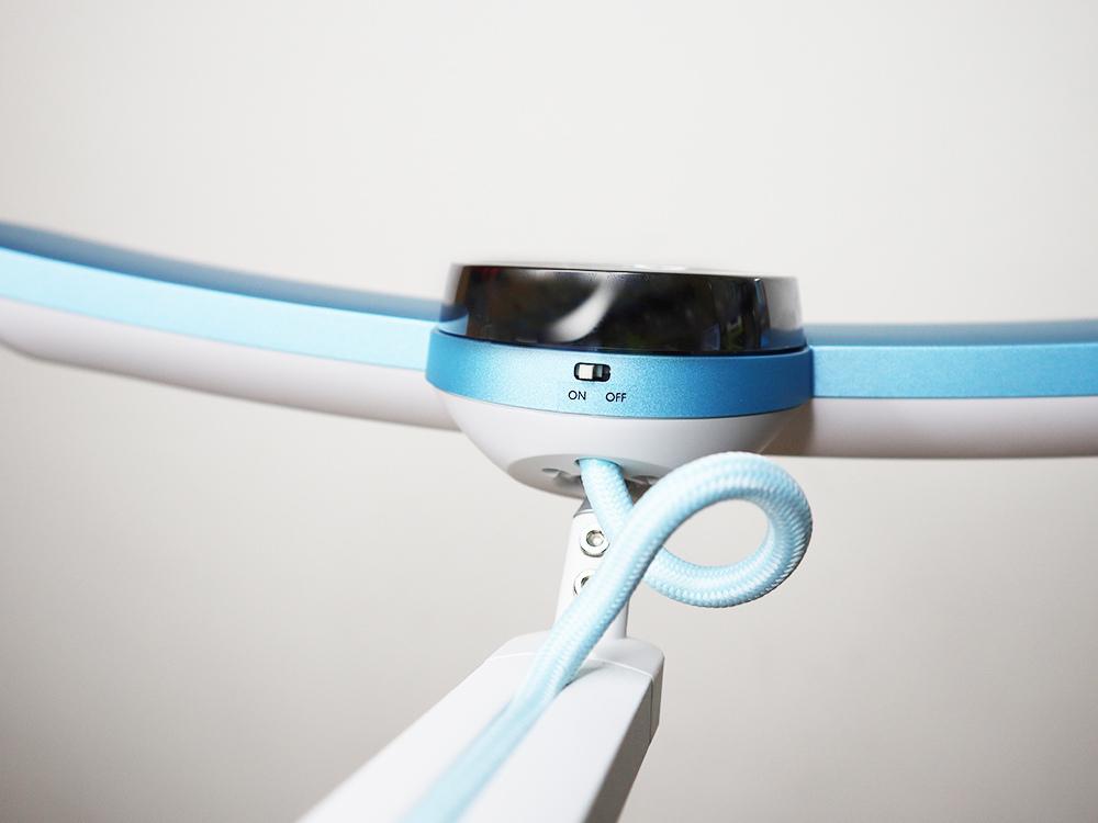 BENQ親子共讀護眼檯燈-寬廣照明、亮度偵測、護眼推薦 WiT-MindDuo18.jpg
