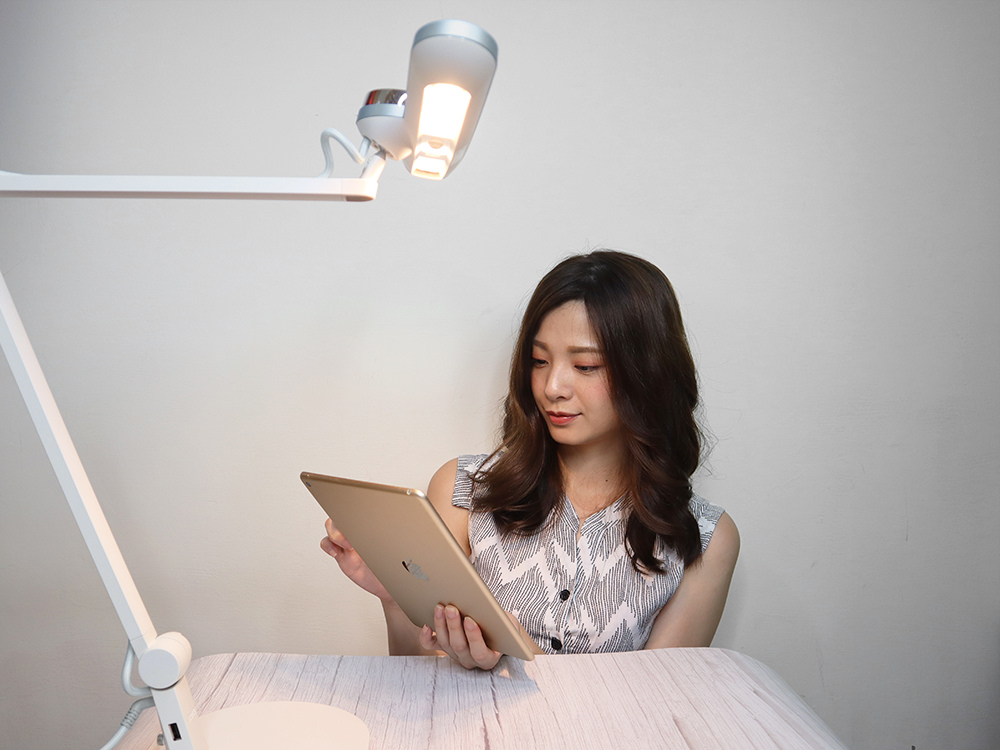 BENQ親子共讀護眼檯燈-寬廣照明、亮度偵測、護眼推薦 WiT-MindDuo44.jpg