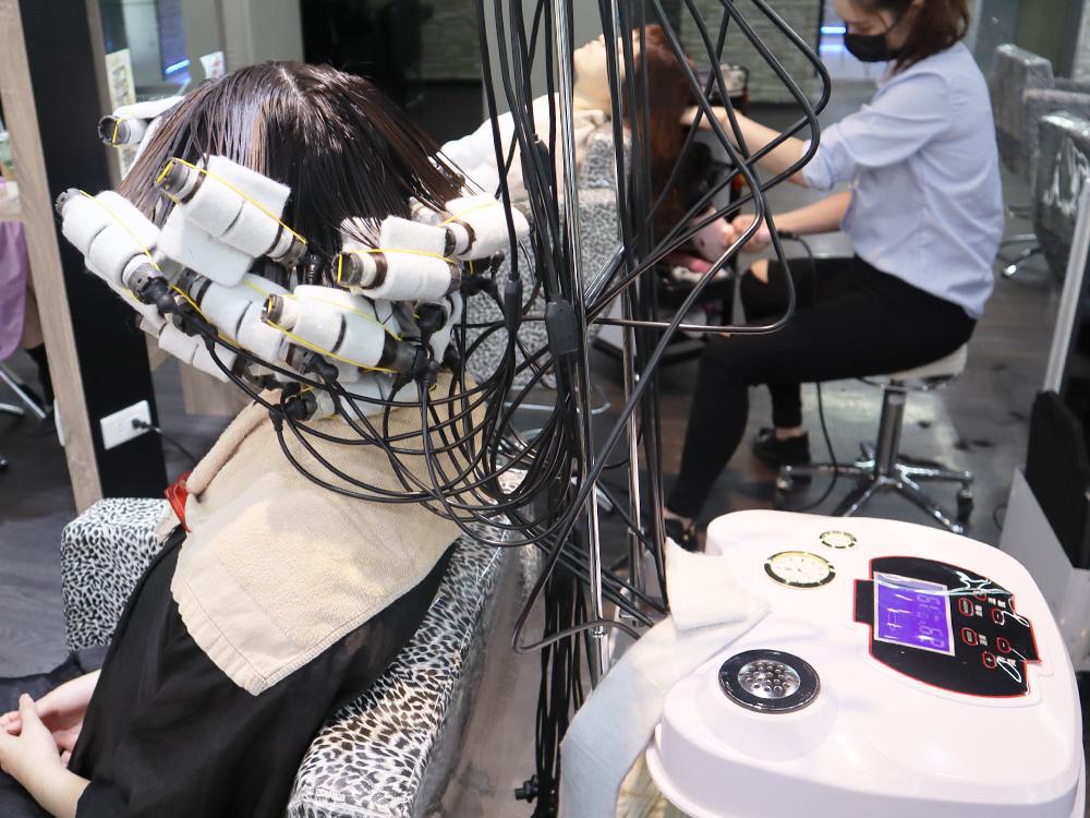 台北車站-台北捷運美髮-燙髮-剪髮-染髮-推薦-許昌街-馬克設計師-a-hair-salon36.jpg
