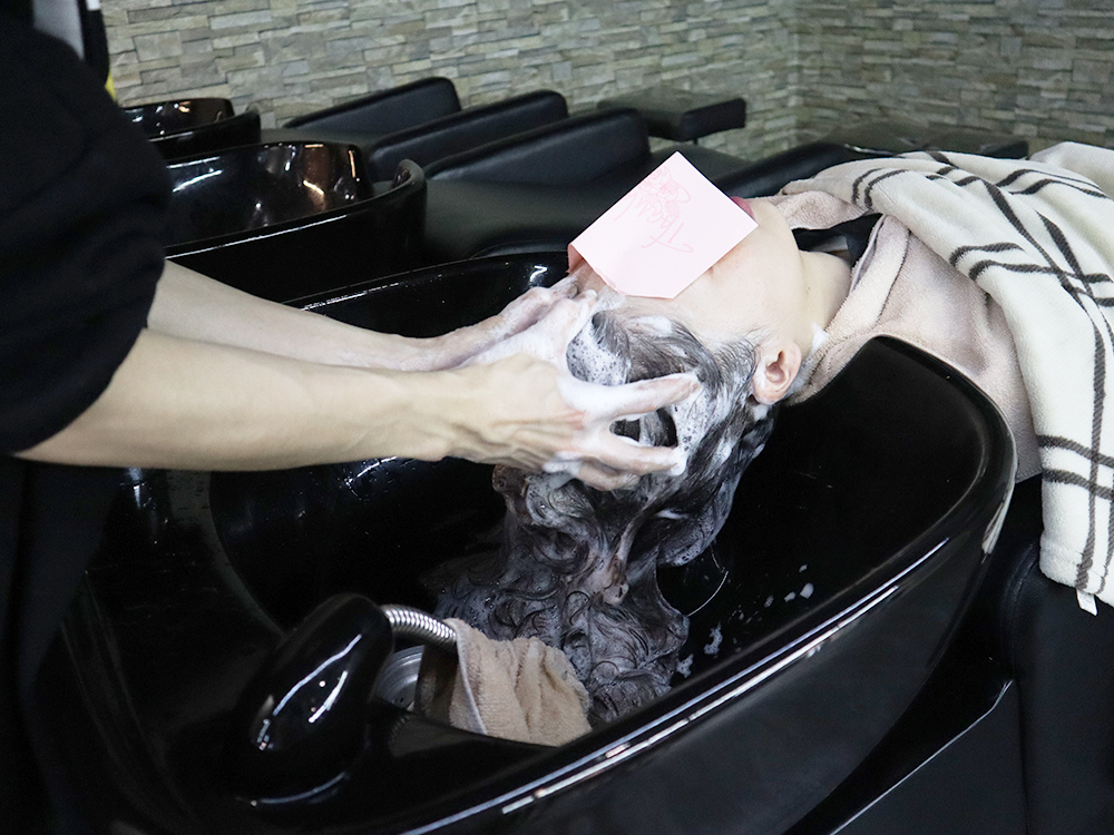 台北車站-台北捷運美髮-燙髮-剪髮-染髮-推薦-許昌街-馬克設計師-a-hair-salon54.jpg