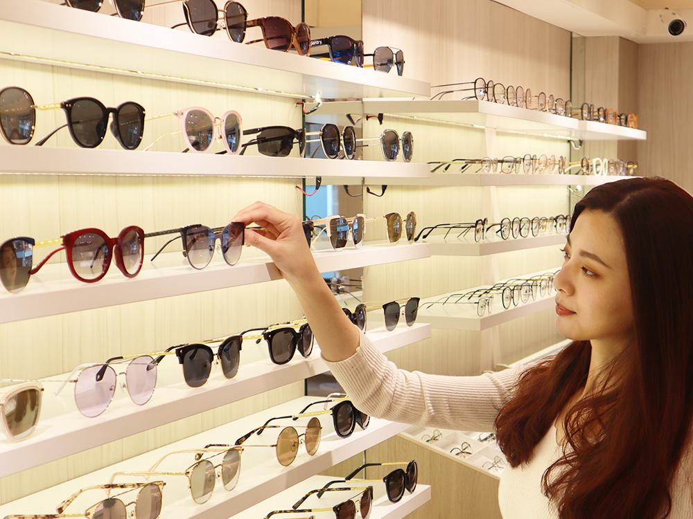 FitGlasses-視鏡空間-內湖眼鏡行推薦-湖光市場-捷運內湖站配眼鏡26.jpg