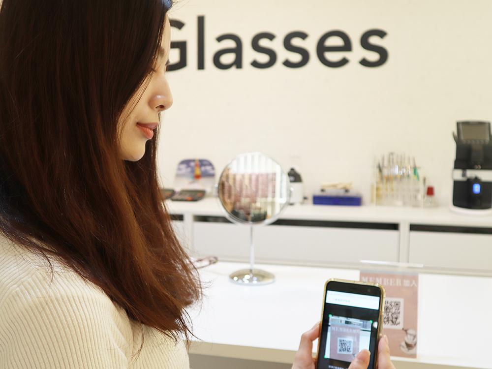 FitGlasses-視鏡空間-內湖眼鏡行推薦-湖光市場-捷運內湖站配眼鏡56.jpg