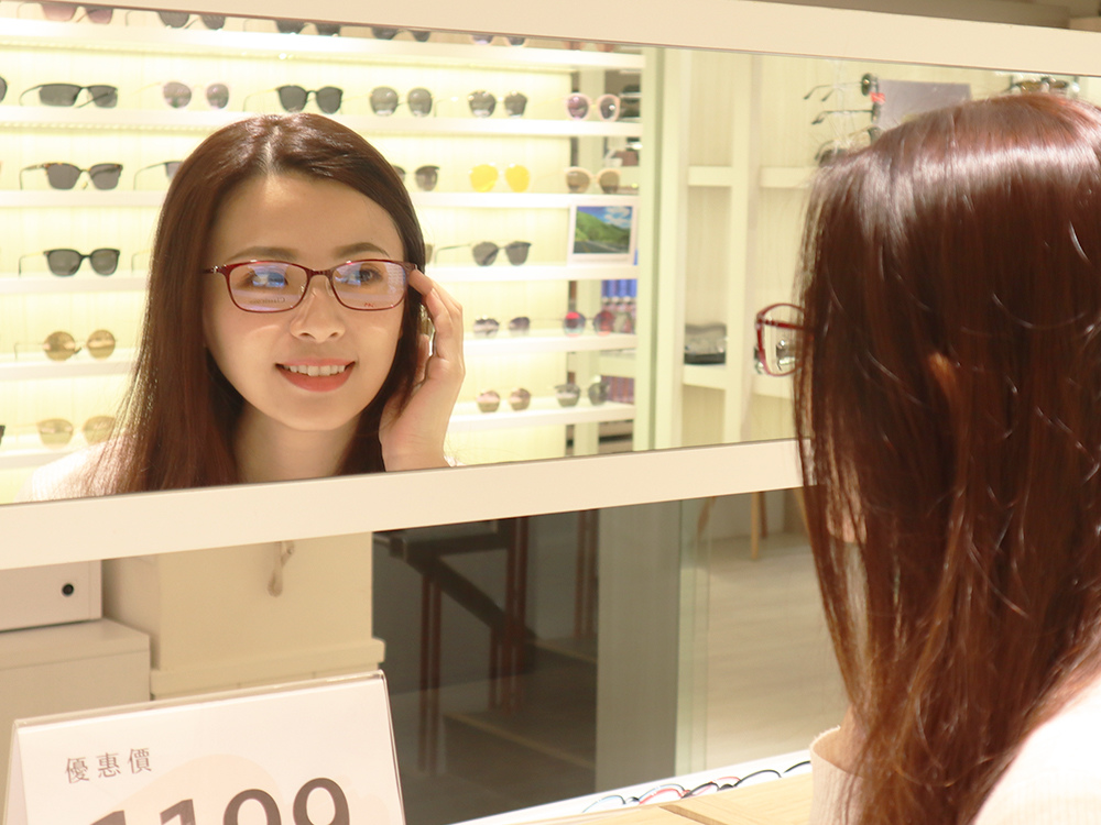 FitGlasses-視鏡空間-內湖眼鏡行推薦-湖光市場-捷運內湖站配眼鏡22.jpg