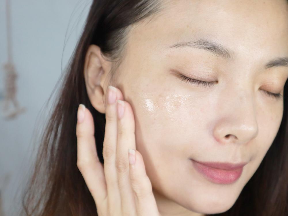 cle-de-peau-Beaut肌膚之鑰-精質乳霜+精萃光采激光晶露-貴婦保養推薦10.jpg