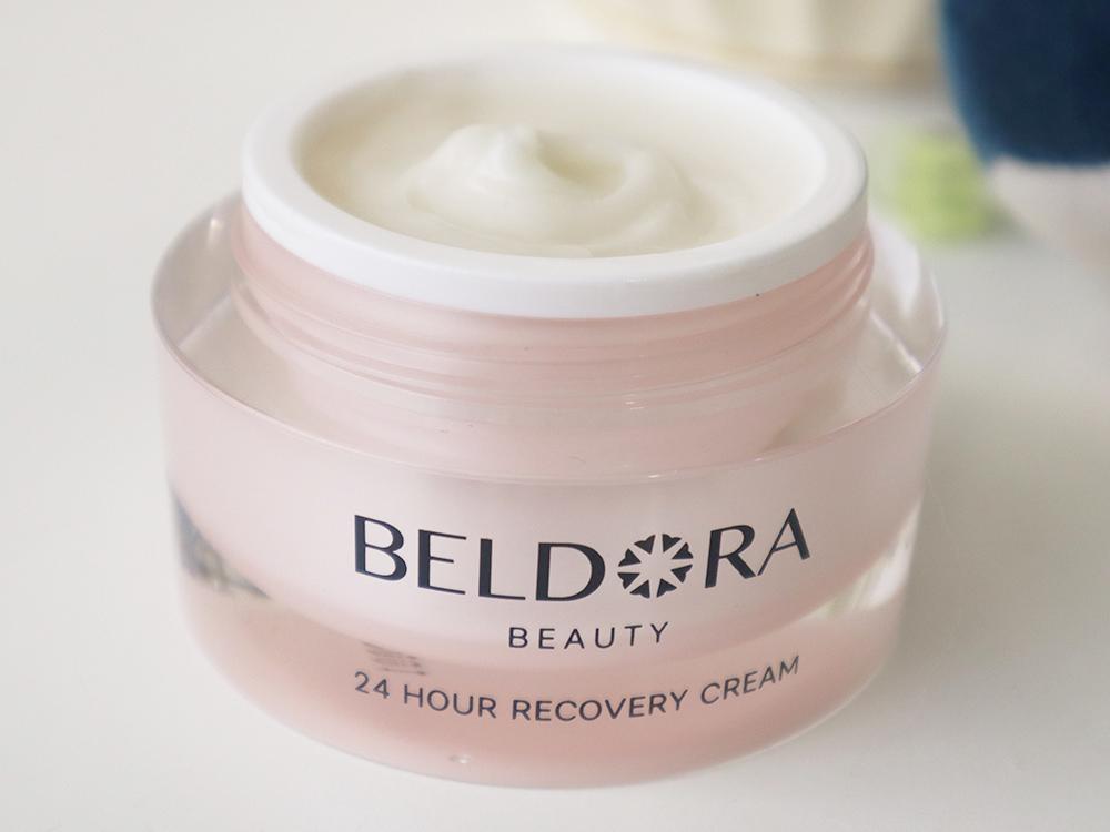 BELDORA蓓朵娜-全時保濕修護凝霜-瀑布霜-女人我最大推薦保濕乳霜-MIT保養品4.jpg