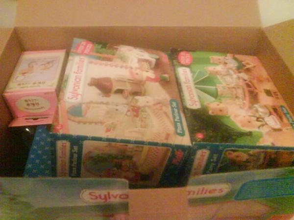 因為家裡不夠大所以其他的也收再同一盒