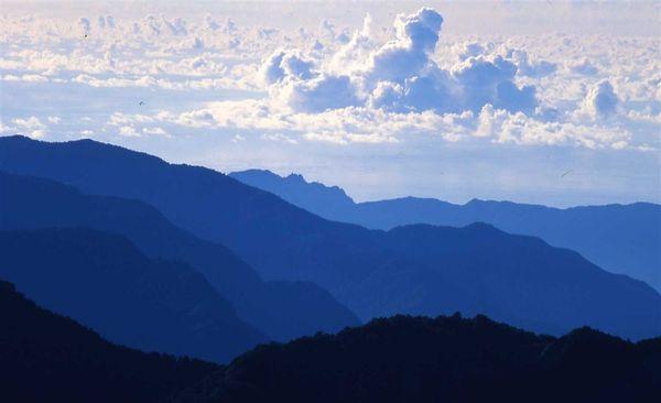 雲與山的對話