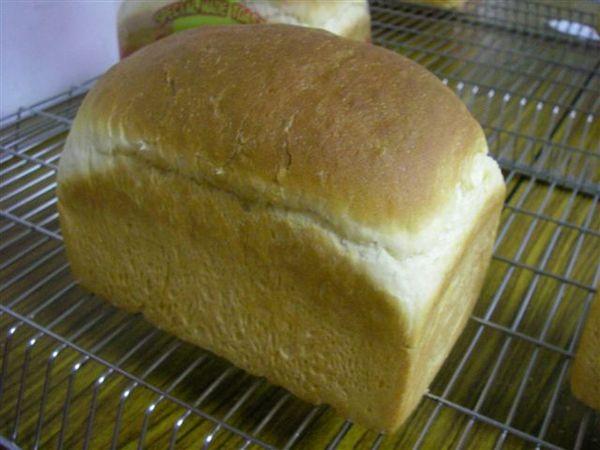 20.我做的圓頂土司麵包,還可以吧