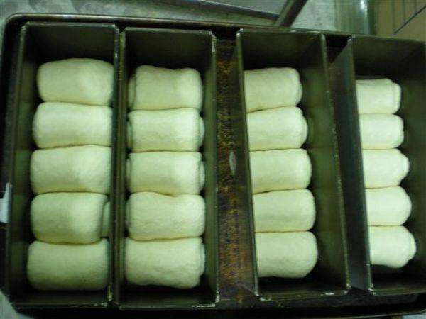 我做的山形白土司麵糰