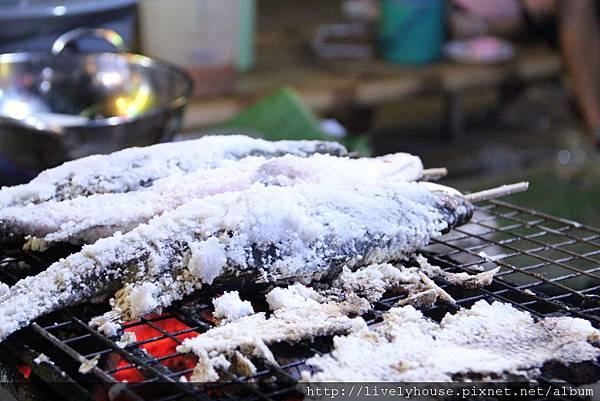 新鮮烤魚.JPG