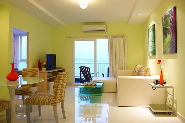 BWP Suites Living room.JPG