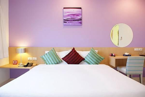 BWP Suites Bedroom3.JPG