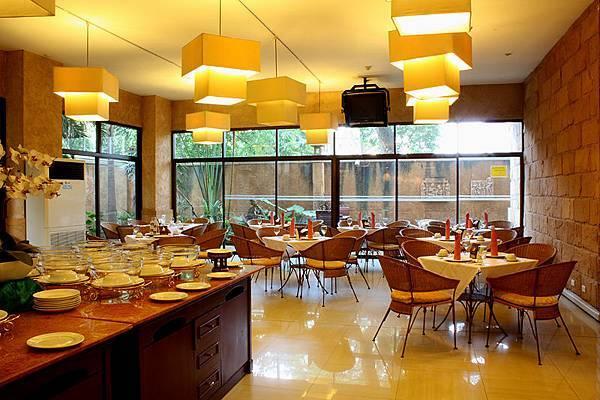 Restaurant -3.JPG