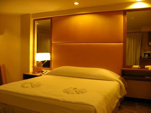 BVM Deluxe Room_s.jpg