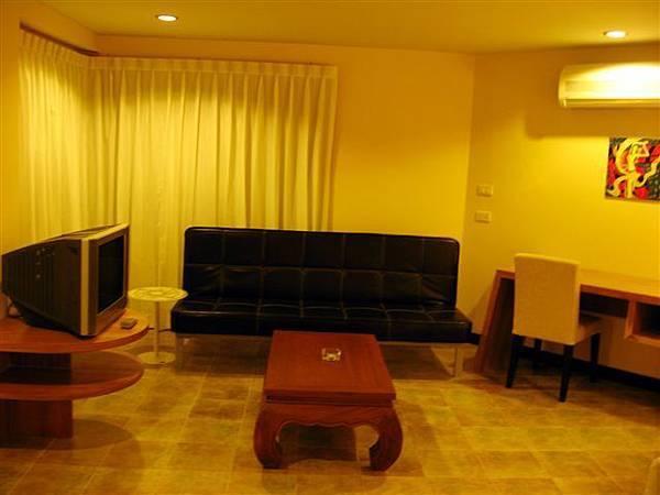 BVM Deluxe room living area.jpg