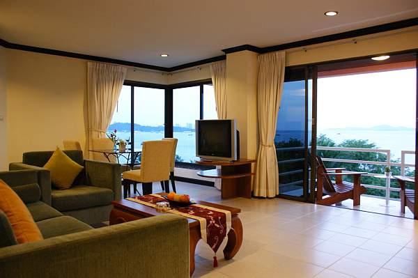BVM panoramic living room.jpg