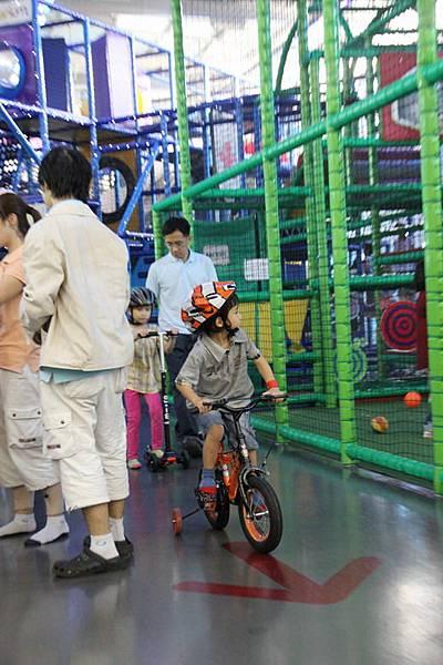 也有腳踏車的活動可以參加.JPG