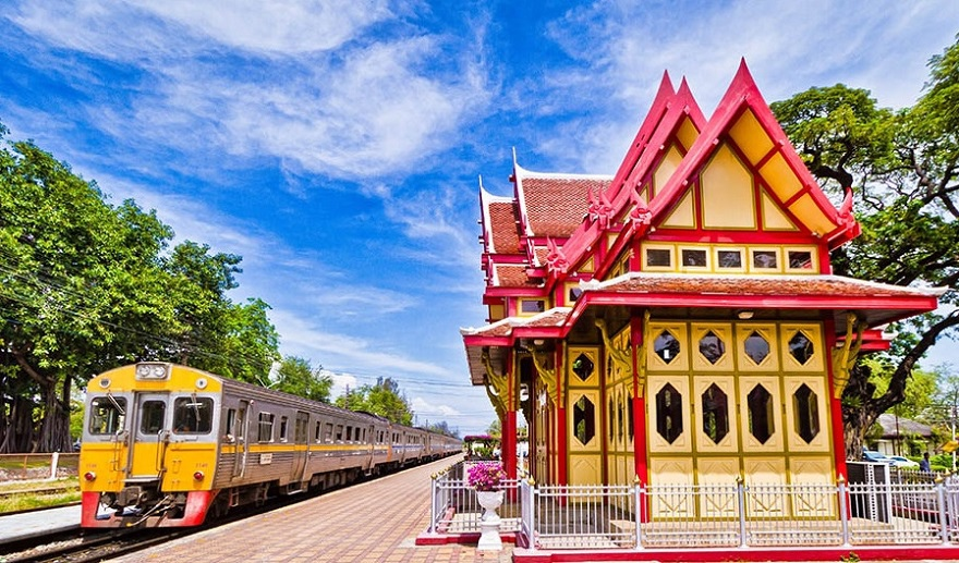 Hua-Hin-Train-Station1