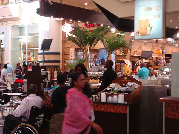 有咖啡吧才是真正的Mall啊~~