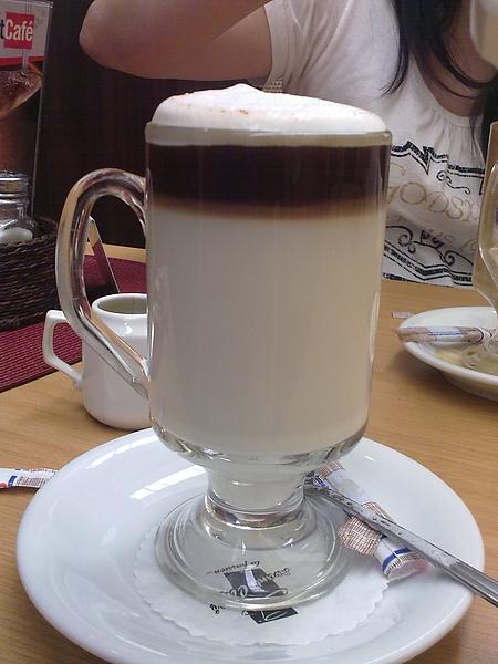 自己做成拿鐵咖啡
