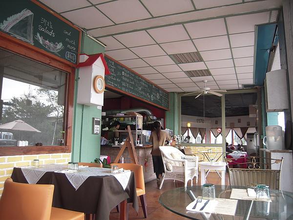 隔天吃早午餐的店…外國人開地…
