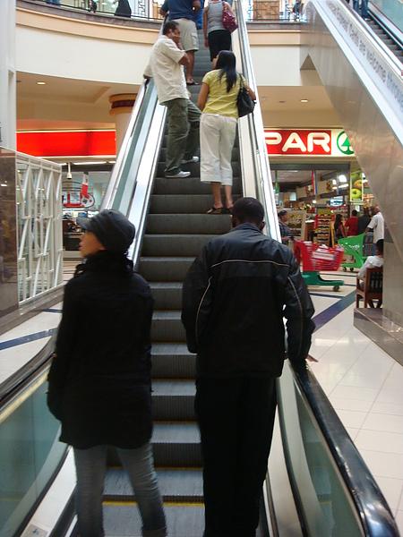 """終於要踏上""""現代化""""的Mall了"""