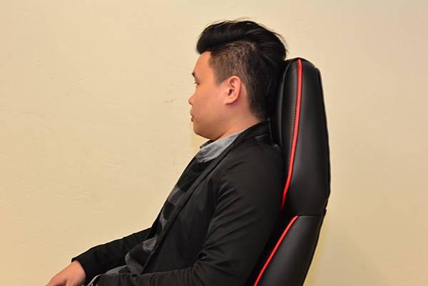 居家市集Living-Hub~CORSANO-特爾尼頂級坐駕電腦椅 (4).JPG