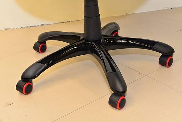 居家市集Living-Hub~CORSANO-特爾尼頂級坐駕電腦椅 (2).JPG