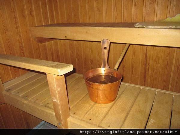 灑水盆和水瓢.jpg
