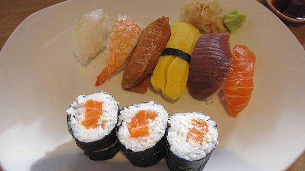 我們點的壽司總匯