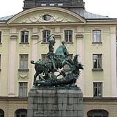 老城區裡的雕像