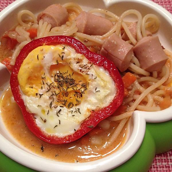創意火腿義大利麵&紅椒煎蛋