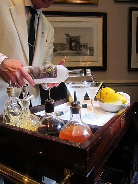Martini served 2.jpg